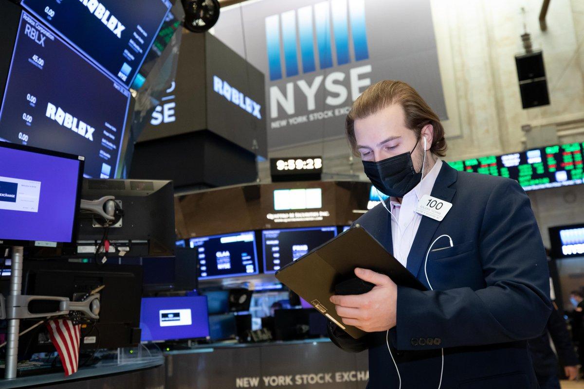 Cerraron dispares los principales índices de Wall Street