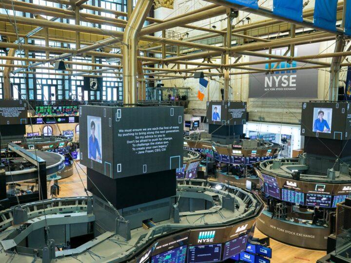 Dow Jones cerró con récord pero Nasdaq cayó de nuevo