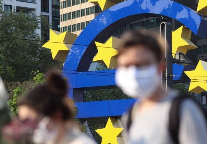 La economía de la zona euro entra en  recaída
