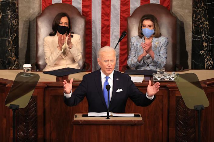 """Biden: """"EE.UU. de nuevo está en movimiento"""""""