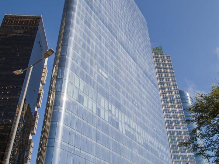 """En plena crisis IRSA completó inversión de US$110M en su edificio de oficinas premium """"Della Paolera 200"""""""