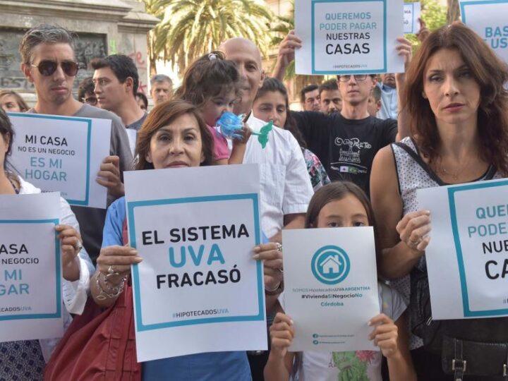 """EL Banco Nación abre un """"período de consulta"""" para revisar los UVA"""