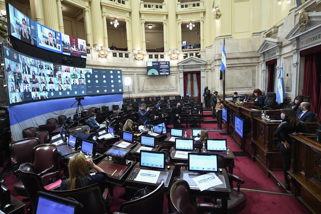 Senado convirtió en ley Ganancias a empresas