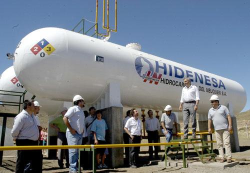 Formalizaron acuerdos para la construcción de seis plantas de almacenamiento de gas licuado