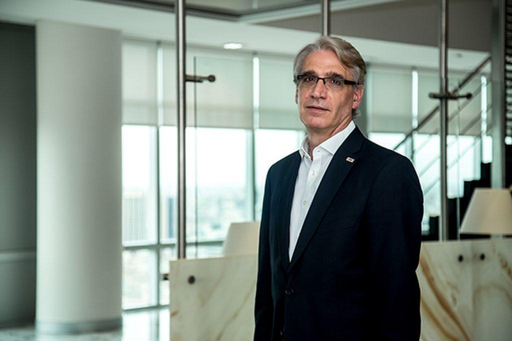 Carlos Alfonsi deja la vicepresidencia de  YPF