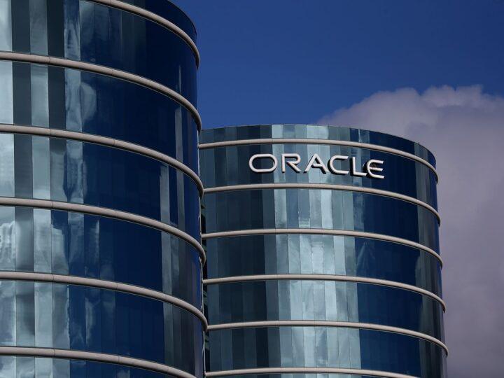 Oracle obtuvo ganancias de 19% por acción GAAP