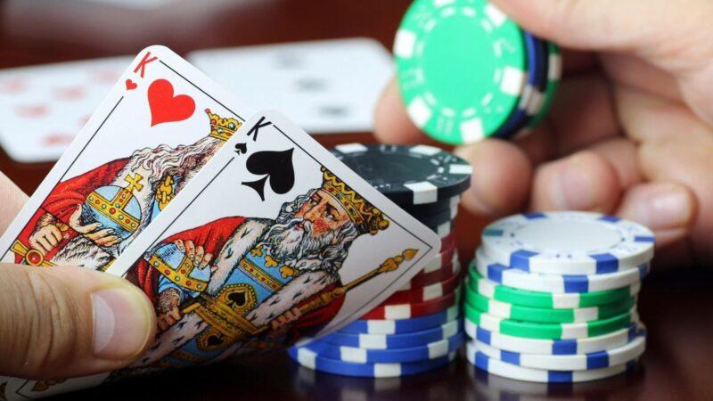 La SEC comparó stablecoins con fichas de póker