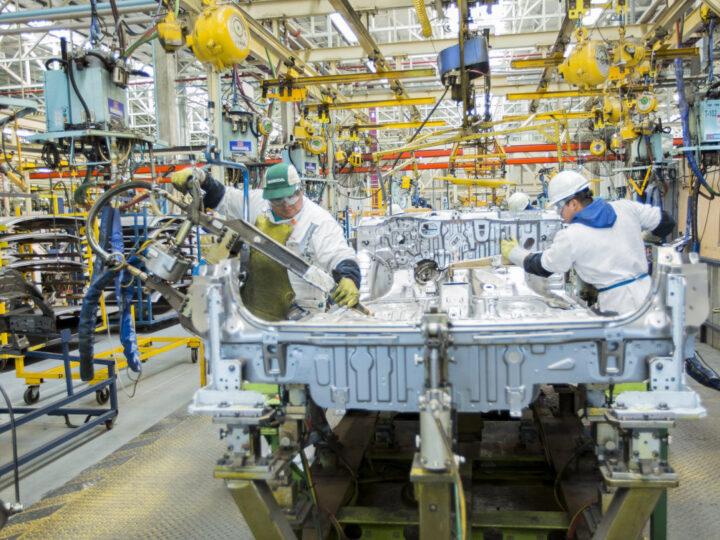Actividad industrial en agosto creció 13% dijo la UIA